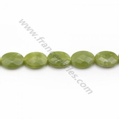 Jade canadien, de forme ovale facetté, de couleur verte, 10 * 14mm x 2pcs