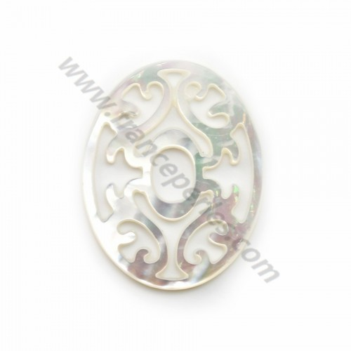 White oval mother-of-pearl with openwork 24x30mm x 1pc