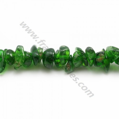 Tsavorite in forms chips x 40cm